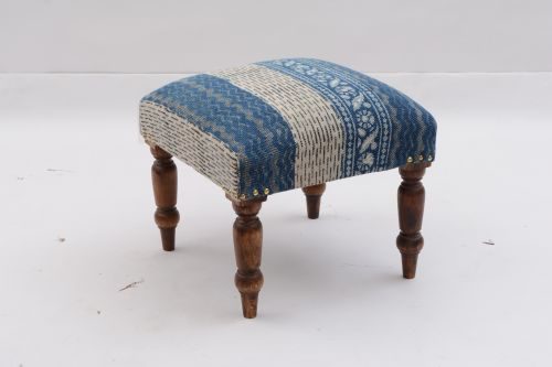 AD-283 WOODEN SQUARE STOOL